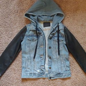 Blank NYC Jean jacket w/faux leather sleeves